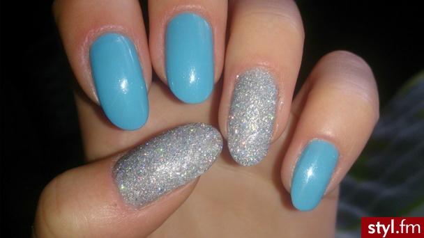 Niebiesko- srebrne :) - Migdałki Naturalne Paznokcie