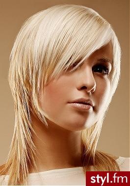 fryzury 2007. Fryzury - włosy średnie. fryzury 2011. Fryzury - włosy średnie Fryzury 2011<br>włosy średnie fryzury 2011 propozycja fryzur na każdą okazję  fryzury nastolatek - Średnie Fryzury