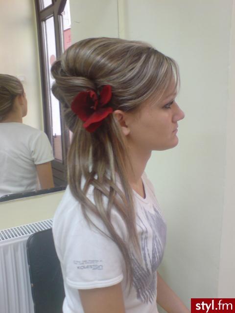 Fryzury Wieczorowe Włosy Fryzury średnie Wieczorowe Asia790 41844