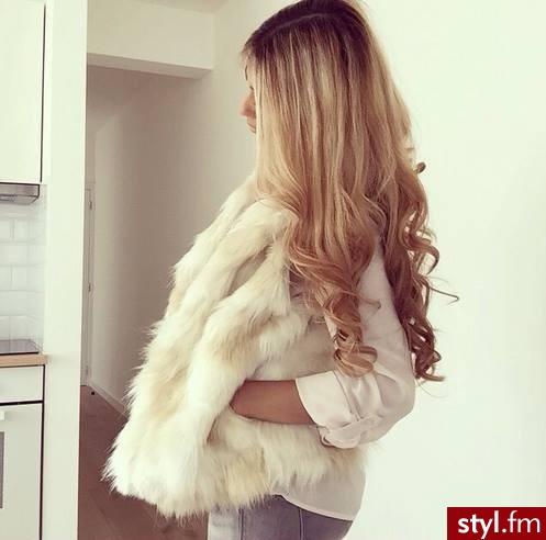Blond Rozpuszczone Kręcone Wieczorowe Długie Fryzury