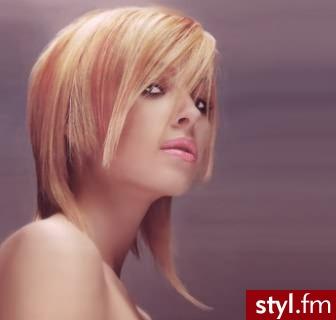 fryzury zdjecia. Fryzury - włosy średnie. fryzury zdjecia - Internetowy Katalog Fryzur IKF.com.pl, propozycje fryzur na każdą okazję np. fryzury na wesele - Średnie Fryzury