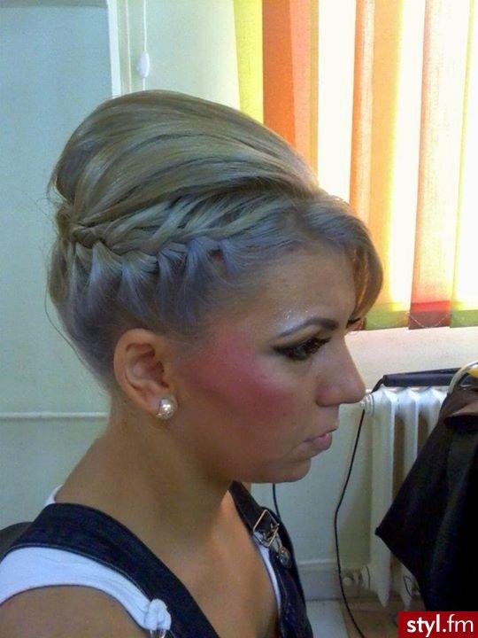 Fryzury Blond Włosy Fryzury Krótkie Wieczorowe Proste