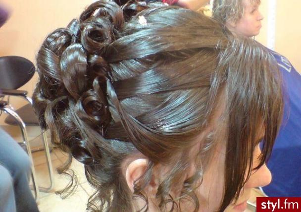 Fryzury ślubne Włosy Fryzury średnie ślubne Czakinka 54179