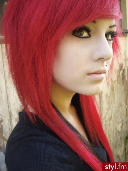 Red GIrl - EMO Alternatywne Średnie Fryzury