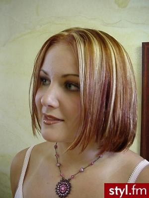 fryzury asymetryczne. Fryzury - włosy średnie. fryzury asymetryczne - Internetowy Katalog Fryzur IKF.com.pl, propozycje fryzur na każdą okazję np. fryzury okazjonalne - Średnie Fryzury