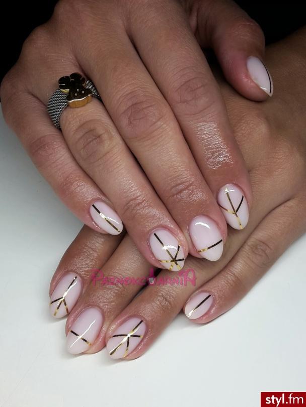 Żel na naturalnych paznokciach. - Migdałki Zdobienia 3D Żel Paznokcie