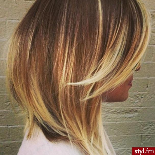 Fryzury Blond Włosy Fryzury średnie Na Co Dzień Proste