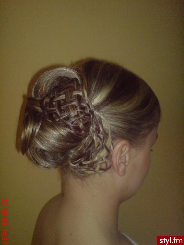 Fryzury Wieczorowe Włosy Fryzury średnie Wieczorowe Asia790 222878