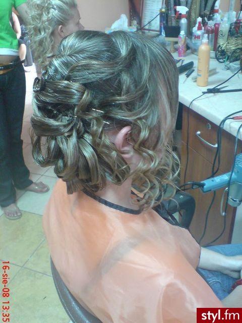 Fryzury ślubne Włosy Fryzury średnie ślubne Czakinka 54069