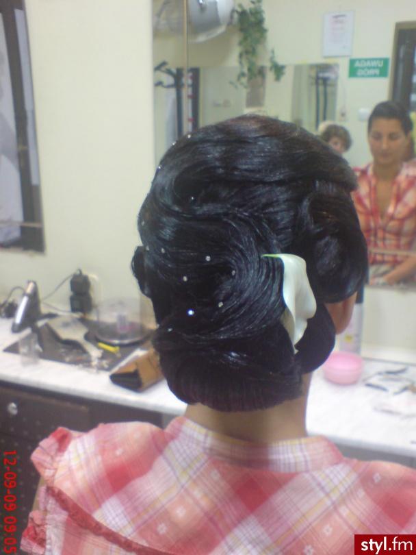 Fryzury ślubne Włosy Fryzury średnie ślubne Asia790 303873