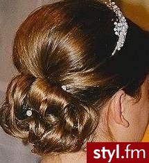 fryzura ślubna galeria. Fryzury ślubne, wieczorowe. fryzura ślubna galeria - Internetowy Katalog Fryzur IKF.com.pl, propozycje fryzur na każdą okazję np. fryzury łonowe - Ślubne Średnie Fryzury