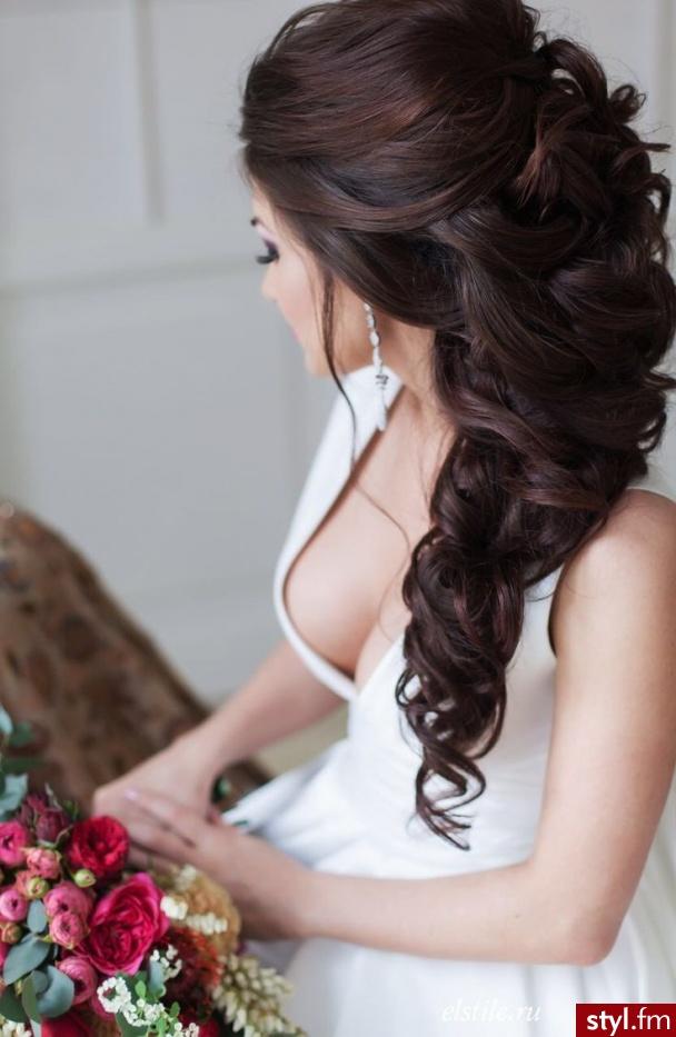 Brązowe Upięcie Kręcone Ślubne Długie Fryzury