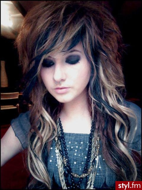 Fryzury Emo Włosy Fryzury średnie Alternatywne Emo