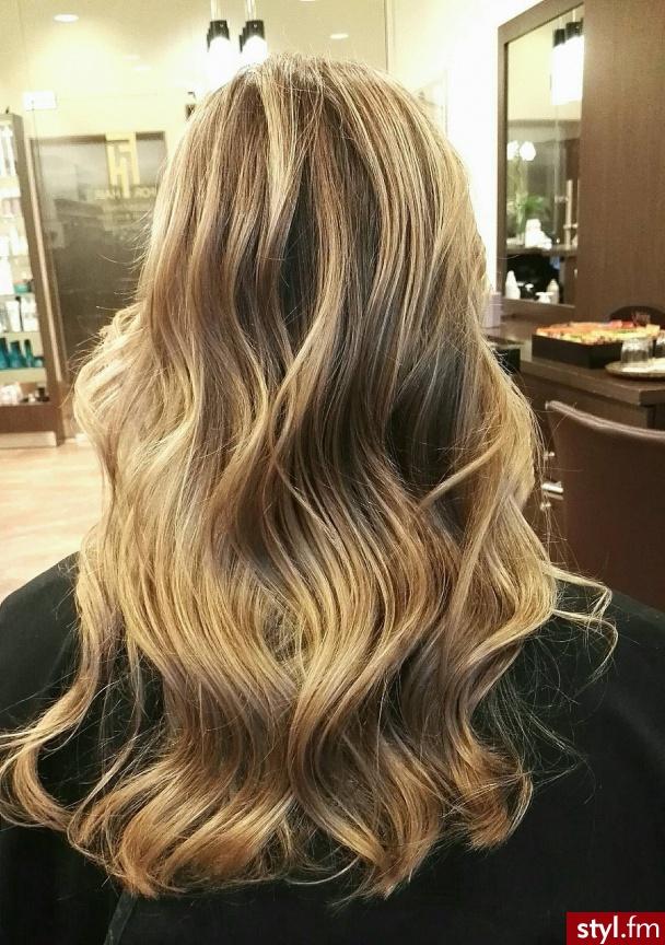 Koloryzacja wykonana przez Wiktorię. - Blond Rozpuszczone Proste Na co dzień Długie Fryzury