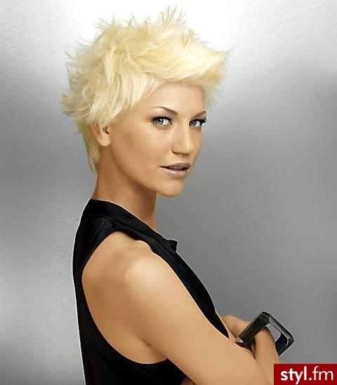 Uczesanie w stylu męskim. - Blond Punk Rock Alternatywne Krótkie Fryzury