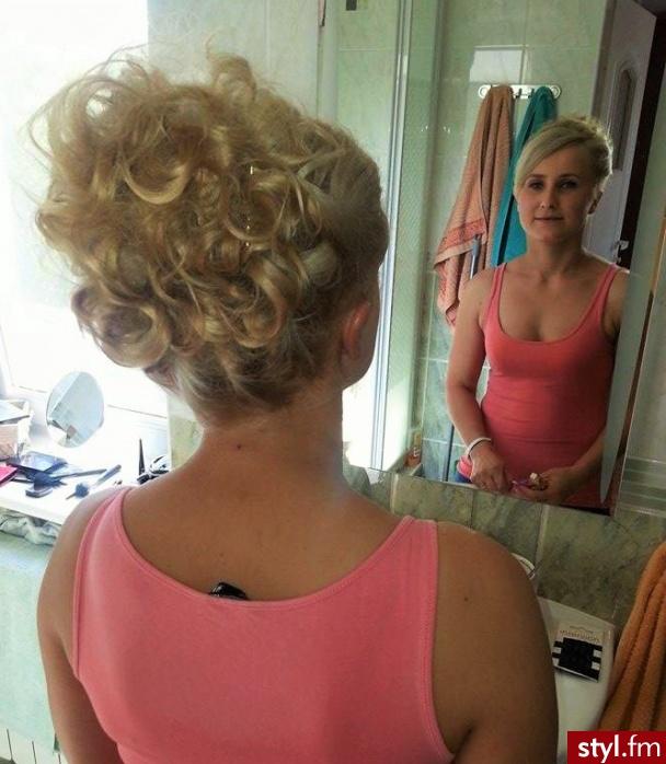 Fryzury Blond Włosy Fryzury średnie Wieczorowe Proste Z