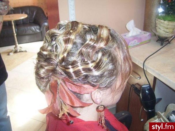 Fryzury Wieczorowe Włosy Fryzury średnie Wieczorowe Czakinka 54120