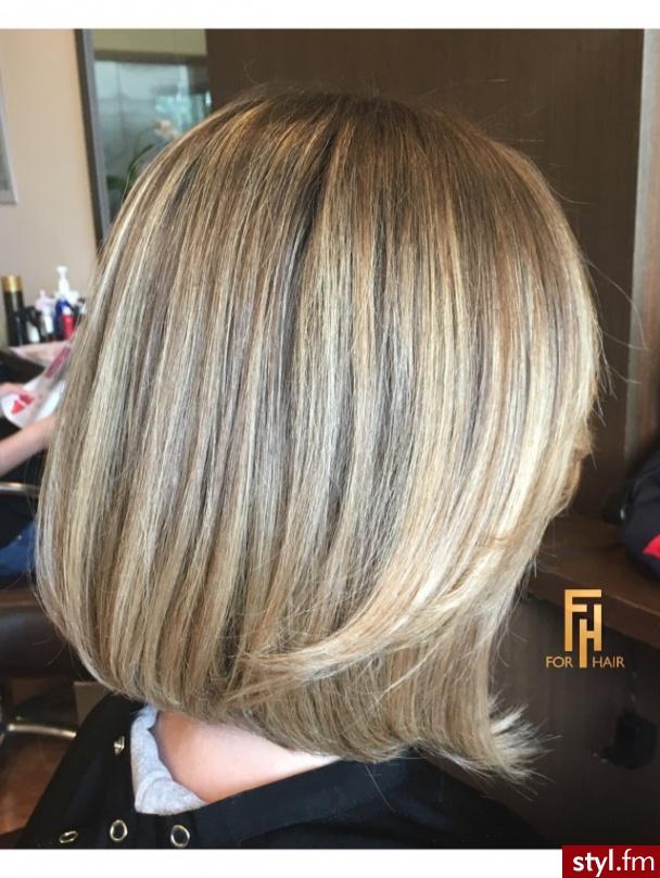 Fryzury Blond Włosy Fryzury średnie Na Co Dzień Proste Z Grzywką